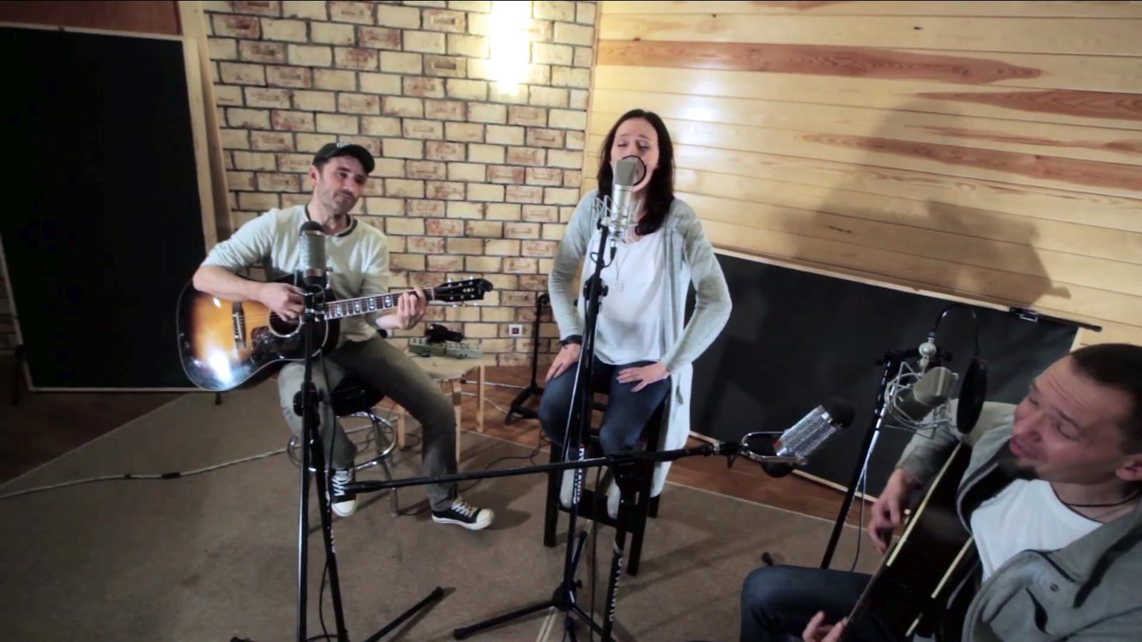 Kadosz Uwielbienie - Godzien jest Baranek akustycznie